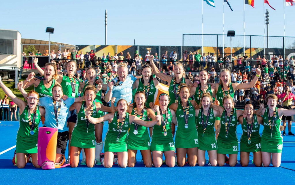 2018 Vitality Hockey Women's World Cup Final, Lee Valley Stadium, London 5/8/2018 Ireland vs The Netherlands Ireland players celebrate with their silver medals Mandatory Credit ©INPHO/Morgan Treacy